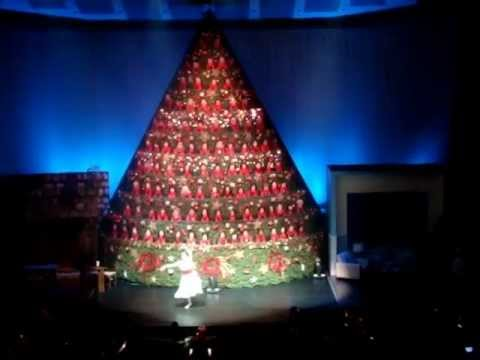 2012 Vancouver Singing Christmas Tree 1