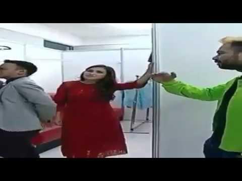 Beredar Video  Raffi Ahmad Pegang Tangan Ayu Ting Ting, Ngajak Bicara 4 Mata!