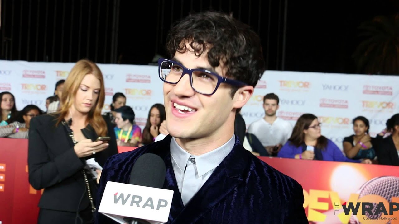 katherine heigl darren criss paul wesley hollywood stars pick most annoying christmas songs - Most Annoying Christmas Songs