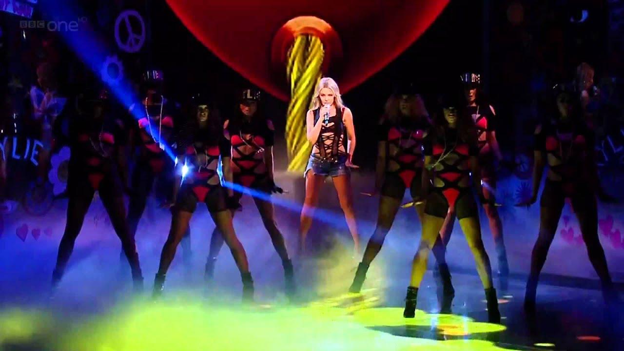 Kết quả hình ảnh cho Kylie Minogue live