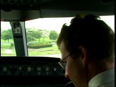VERY OLD! Swiss Air A340 landing at Don Mueang in cockpit view