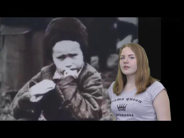 Изображение предпросмотра прочтения – ВалерияОхотникова читает произведение «Две сестры бежали от войны...» Э.Г.Казакевича