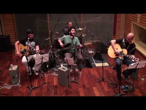 "Acoustic Beatles Band - ""Band On The Run"""