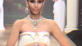 The Sexy Malaika Arora Khan at India International Jewellery Week 2011 - Day 4