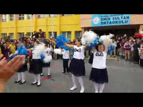Özel Eğitim Sınıfı/ 23 Nisan Gösterisi/ Tuttu Fırlattı Kalbimi