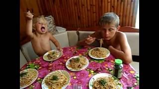 Как тяжело работается после отдыха\Спагетти со свининой и баклажанами