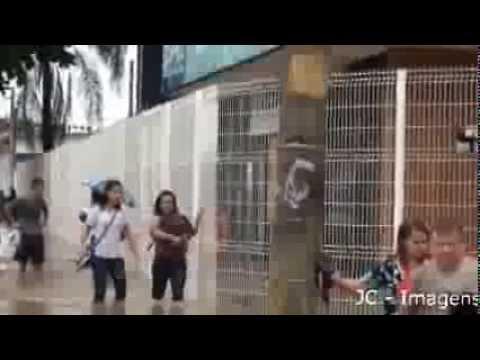 Enchente em no bairro Guadalupe - RIO DE JANEIRO - RJ - BRASIL - 11/12/2013