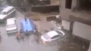 فيضانات المكلا اليمن بسبب اعصار تشابالا Mukalla in Yemen floods Tropical Cyclone Chapala