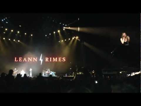 LeAnn Rimes - Life Goes On (Live at C2C: Country To Country at the O2 London 17 March 2013)
