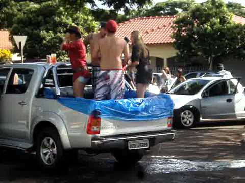 Ferno na rua rodeio colorado 2011 piscina na 4x4 youtube for Piscina 4x4
