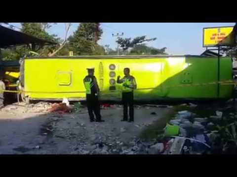 Bus siswa smk dari bogor, terguling di magelang, 3 tewas 20 luka2, selasa 16/5/17