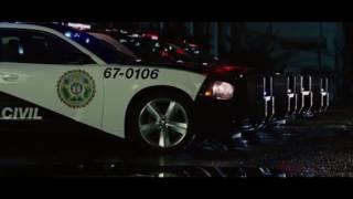 Rapidos y Furiosos 5 escena Bryan vence a Toretto thumbnail