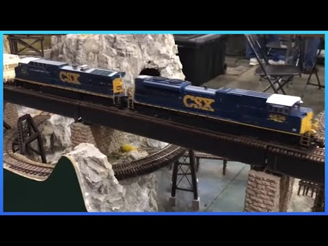 Awesome HO Scale Model Trains and Railroads at Train Show!