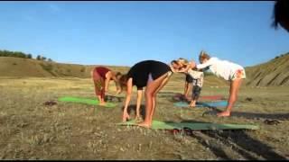 Крым. Девушки. Йога на природе. Правильный и здоровый отдых!(Крым. Йога на природе. Правильный и здоровый отдых!, 2014-04-04T17:55:26.000Z)