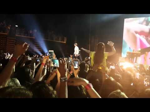Enrique Iglesias - Bailando - Live Arena Zagreb 8. 5. 2016.