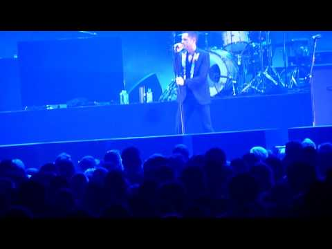 The Killers - Obstacle 1 (Interpol Cover) - Windsor Colosseum June 2, 2016