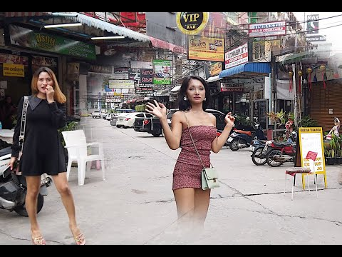 Pattaya Massage: Ladyboys or Ladies? Who Gives The Best Massage In Thailand?