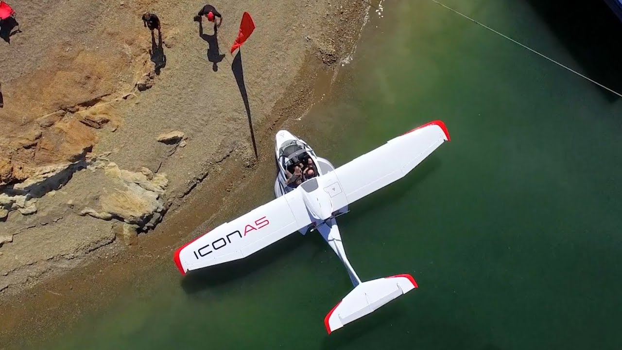 Icon A5 Flying ICON A5 First F...