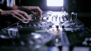 Kissy Sell Out DJ Promo Video on 4 x Chrome Pioneer CDJ 2000s