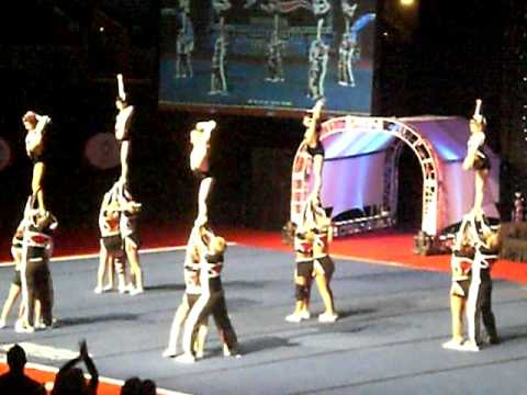 Tribe Cheer Chiefs 09