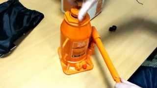 Домкрат гидравлический бутылочный 20т. AirLine(Домкрат гидравлический бутылочный 20т. AirLine Приобрести этот домкрат вы можете в нашем интернет-магазине..., 2014-12-09T11:52:34.000Z)