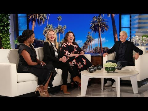 Melissa McCarthy Physically Can't Carry a Purse