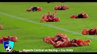 Hal-hal Aneh Dilemparkan Di Lapangan Sepak Bola