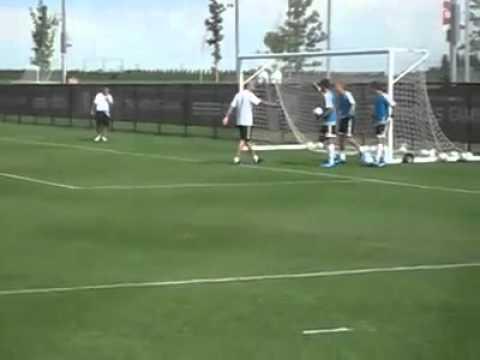 Zidane chambre un jeune gardien!