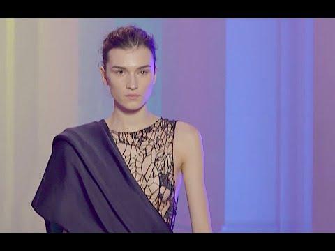 POIRET Fall 2018/2019 Paris - Fashion Channel