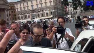 Roberto Benigni e Nicoletta Braschi Addio a Vincenzo Cerami - Video Piazza del Popolo