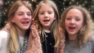 """Sophia synger hendes nye julesang """" Nu er det jul igen"""" Hun får lidt hjælp af Ida og Lærke"""
