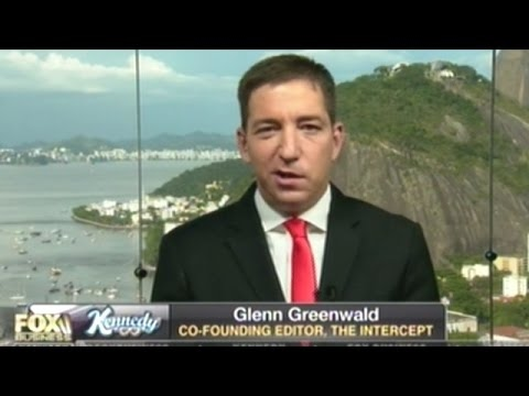 """Glenn Greenwald """"A LOT Of People In The Intelligence Community Signaling Trump They Can Harm Him!"""""""