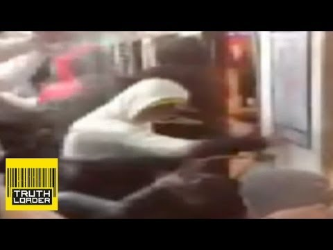Russian nationalists attack immigrants on St Petersburg metro - Truthloader