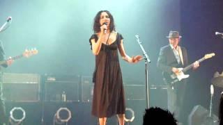 PJ Harvey & John Parish - The Chair [Live]
