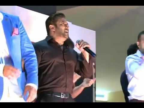 """Salman Khan Singing""""sajan Radio.. Oo.. Bajayio Bajayio Bajyio Zara """""""