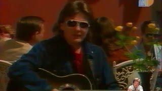 Download Юрий Антонов - На улице Каштановой. Начало 80-х Mp3 and Videos
