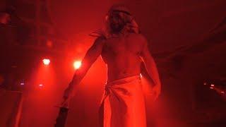 Мужской стриптиз в клубе BlackWood