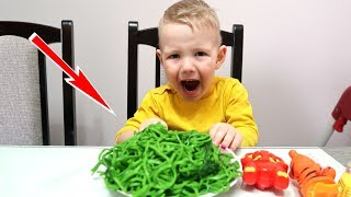 Kids don't want to eat Green PASTA and Play with Baloons