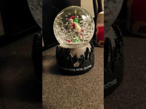 Nightmare Before Christmas Snow Globe (4K)