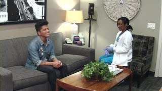 Ellen's in Bruno Mars' Ear