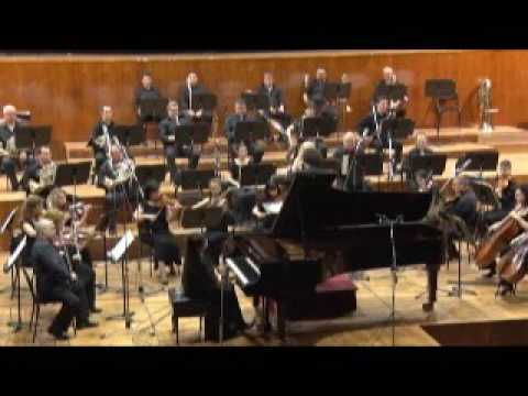 Edvard Grieg - Piano Concerto in A minor Op. 16 지휘  이영칠State opera orchestra Plovdiv