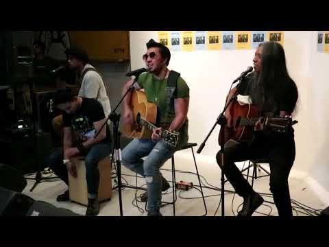 Naif - Jikalau (Acoustic Live) @ Qubicle Senopati, Jakarta