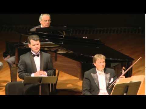 "Francis Poulenc. "" Le Bal Masque"". Soloist ILYA KUZMIN, conductor JAN LATHAM KOENIG. Mexico.2013."