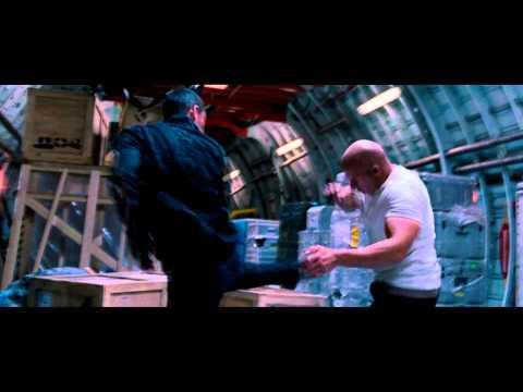 Velozes e Furiosos 6   Dom e Hobbz vs Shawn e Klaus Completo