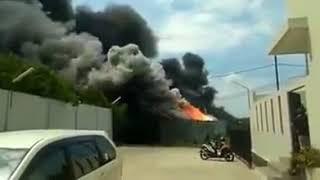 Detik detik Meledaknya Pabrik Petasan Di Tanggerang