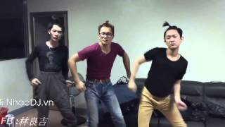 Funny Thailand Music and Shaking dance part 2
