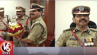 IPS Vishwanatha Ravinder Takes Charge As Warangal New Commissioner | V6 News