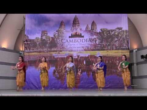2017, in Japan カンボジアフェスティバル2017 Cambodian dance