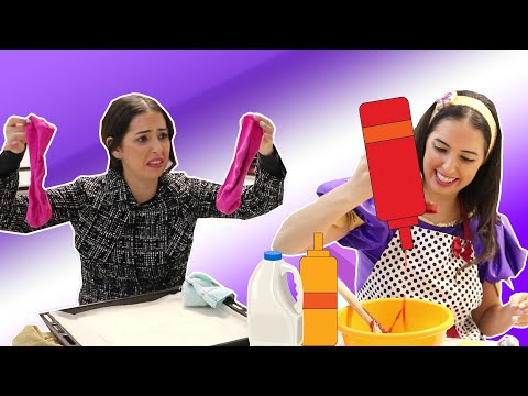 מתכון להכנת גרביים ❓🙈😂  נופיקי ואמא שלה מנסות להכין סופגניות ומשהו מוזר קורה 🧦