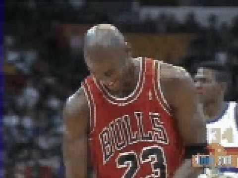 Michael Jordan free throw with close eyes vs Denver Nuggets - NBA Regular Season 1991/1992